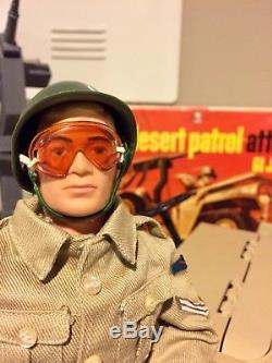 1967 VINTAGE HASBRO GI JOE DESERT PATROL ATTACK JEEP withBOX 2-FIGURES RAT PATROL