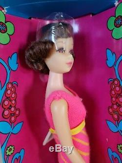 1969 Brunette TWIST'N TURN FRANCIE Doll Mint in Box #1170 Vintage 1960's