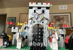 99% Lego King's Castle 6080 Vintage (1984)with manual no box