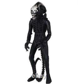 Alien Vintage Xenomorph Jumbo Action Figure