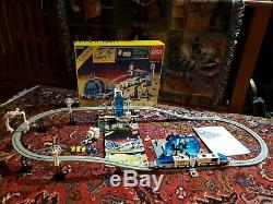 Lego Space 6990 Futuron Monorail Transport System, Train runs Great