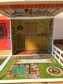 Mattel 1970s Barbie Doll Surprise House with Box No 4282 Plastic Panels Vintage