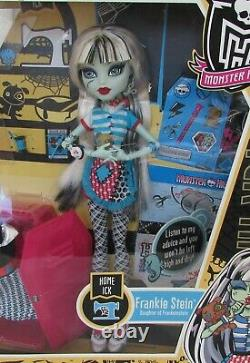 Monster High Home Ick Frankie Stein New in Box ACTUAL DOLL