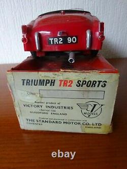 TRIUMPH TR2 VINTAGE PLASTIC MODEL VICTORY INDUSTRIES 1950's WITH BOX
