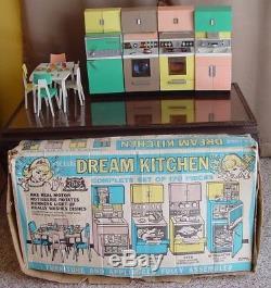 VHTF Vintage Barbie De Luxe Reading Dream Kitchen with Box