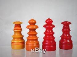 VINTAGE ART DECO BAKELITE CHESS SET K 57 mm AND BOX PLUS SORRENTO CHESS BOARD