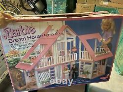 VINTAGE BARBIE DREAMHOUSE 1978 MATTEL FURNISHED! Mint IN BOX