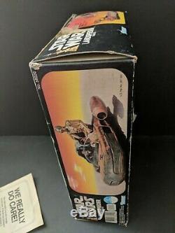 VINTAGE KENNER STAR WARS 1978 LANDSPEEDER WITH BOX and we do care