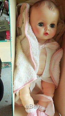 Vintage 17 Baby Doll Vinyl Plastic Drink & wet 1950s Mid Century Box