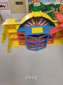 Vintage 1984 Kenner DC Super Powers Hall Of Justice With Original Box