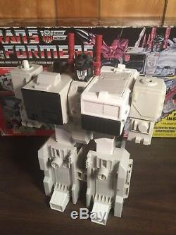 Vintage 1985 Hasbro TRANSFORMERS Autobot Battle Station METROPLEX withbox