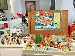 Vintage BRITAINS LTD MODEL ZOO PLAYSET Plastic Near Complete Box & Extras