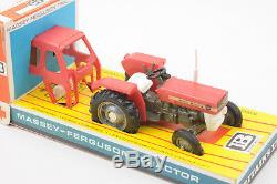 Vintage Britains Massey Ferguson Tractor 135 No. 9529 BOXED