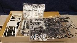 Vintage Entex Ford Mustang Cobra II Plastic Model Kit 116 Scale Boxed Sealed