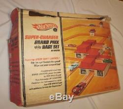 Vintage Hot Wheels Grand Prix Race Track and Stunt Set with Box Working