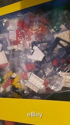Vintage Lego City Airport Set 6392. New and sealed unopened 100% complete