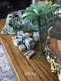 Vintage Louis Marx Miniature Model SANDS OF IWO JIMA Play Original Box