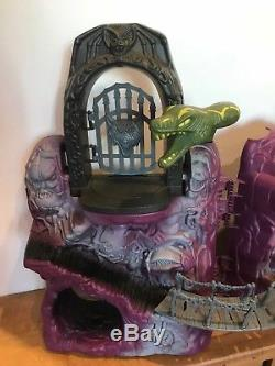 Vintage MASTERS OF THE UNIVERSE SNAKE MOUNTAIN MOTU WITH BOX 99% Complete Mattel