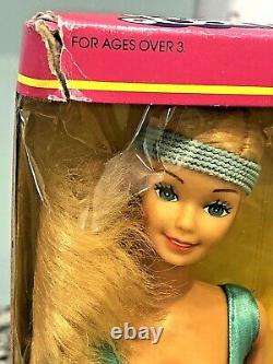 Vintage Mattel 1983 Great Shape Barbie 7025 Hong Kong NRFB Damaged Box