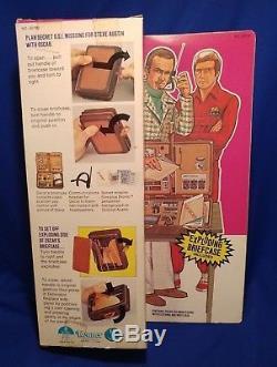 Vtg 1977 OSCAR GOLDMAN SIX MILLION DOLLAR MAN EXPLODING BRIEFCASE NEW OS in BOX
